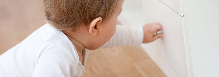 Bebek Kilitleri Kullanmak Faydalı Mıdır?