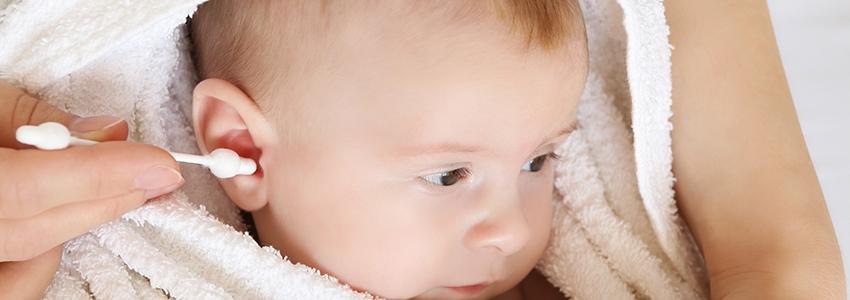 Bebeklerin Kulakları Nasıl Temizlenmeli?