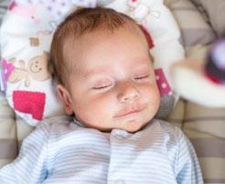 Bebeklerde Yastık Kullanılmalı Mı?