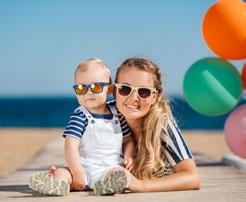 Bebekler Güneş Gözlüğü Kullanmalı Mı?